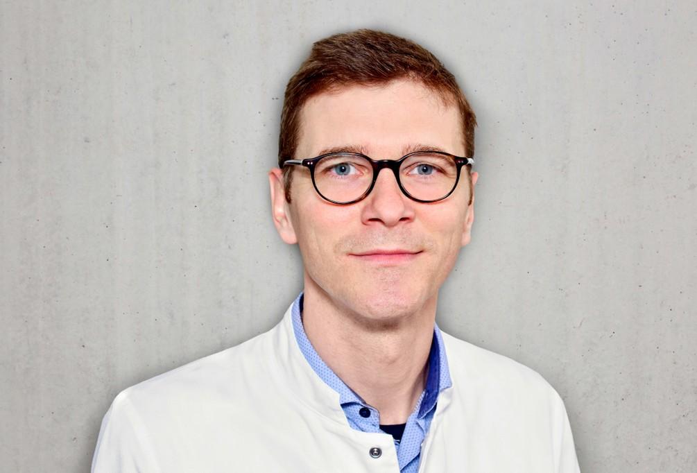 Dr. Maximilian Worm