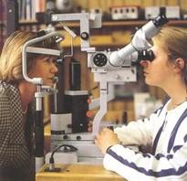 Die Messung des Augeninnendrucks mit dem Tonometer