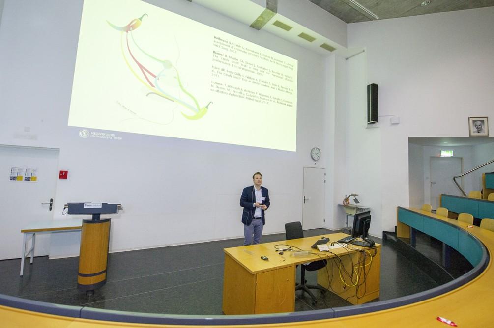 12_Meeting_ECRO_2019_HNO_Inselspital_Bern.jpg