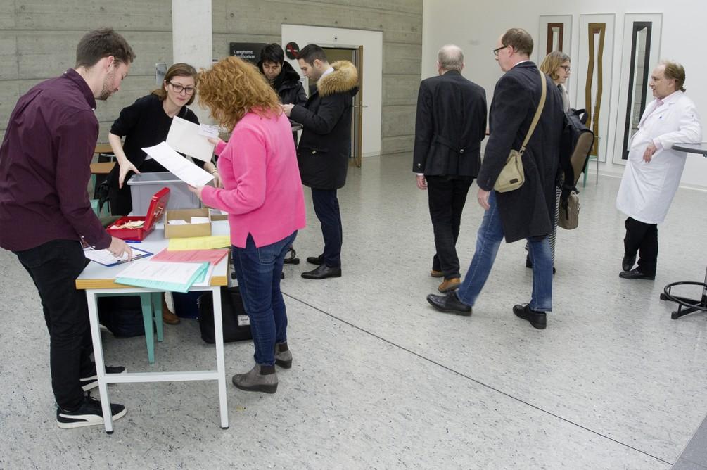 25_Meeting_ECRO_2019_HNO_Inselspital_Bern.jpg