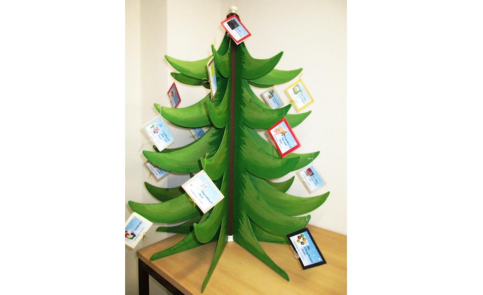 Weihnachtsbaum_behangen.png
