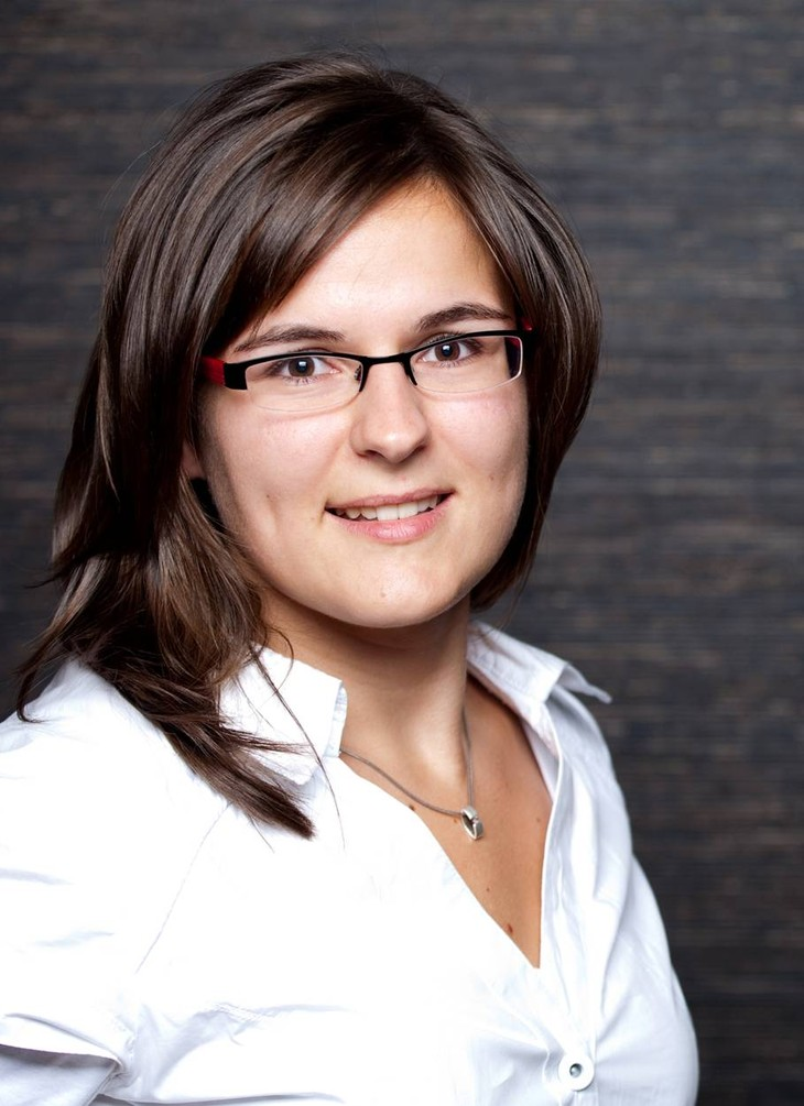 Janine Schmidt.jpg