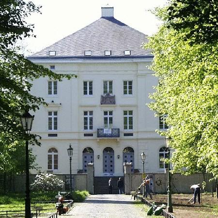 Schloss Micklen.jpg