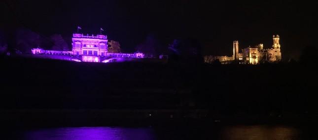 Beeindruckendes Lichtspektakel an der Elbe