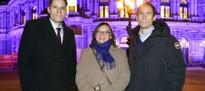 Lila illuminierte Semperoper als Zeichen der Verbundenheit für Pankreaskrebspatienten