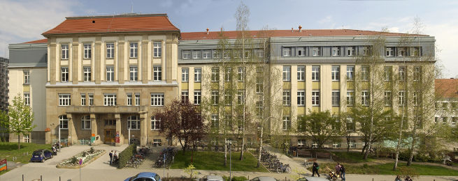 UniversitätsZahnMedizin — Uniklinikum Dresden