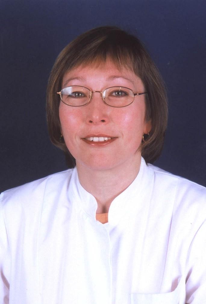 Frau Dr. Annette Stein