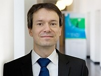 Dr. Müller_k.jpg