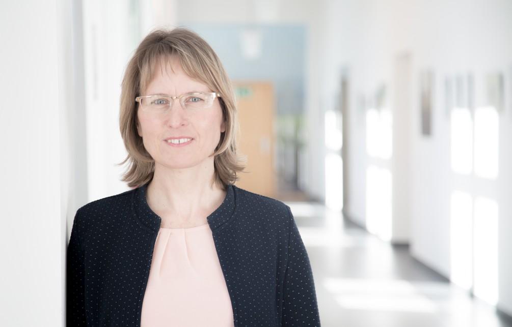 Frau Dr. Conrad