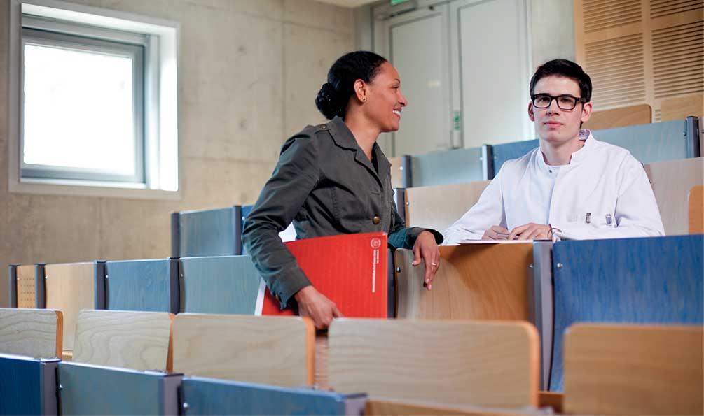 jobs und karriere deutsch. Black Bedroom Furniture Sets. Home Design Ideas