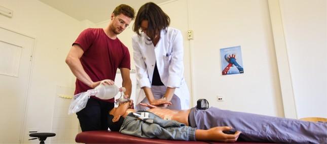 Erhöhte Patientensicherheit durch regelmäßige Reanimationstrainings