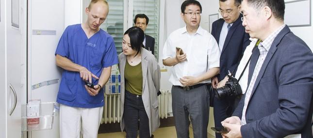 Krankenhausmanager aus Shanghai informieren sich über Logistik des Uniklinikums