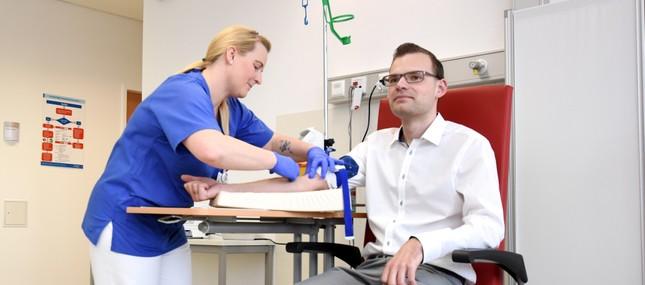 MS-Patienten profitieren von neuem Infusionszentrum und innovativer Antikörper-Therapie