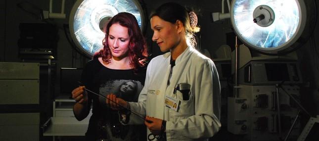 Schilddrüsen-OP: ABBA sorgt für makellosen Hals