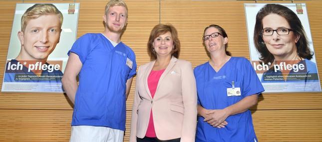 Schwestern und Pfleger des Uniklinikums zeigen Gesicht