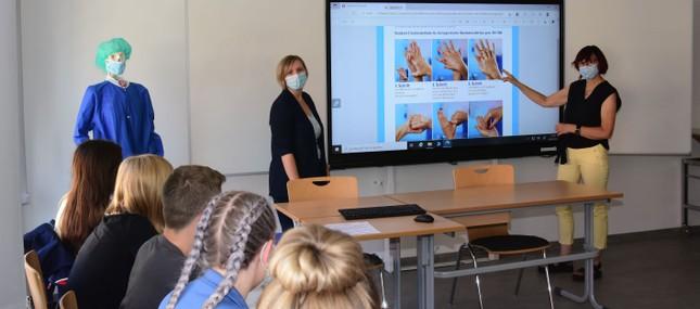 Uniklinikum gründet eigene Berufsschule für Medizinische Fachangestellte