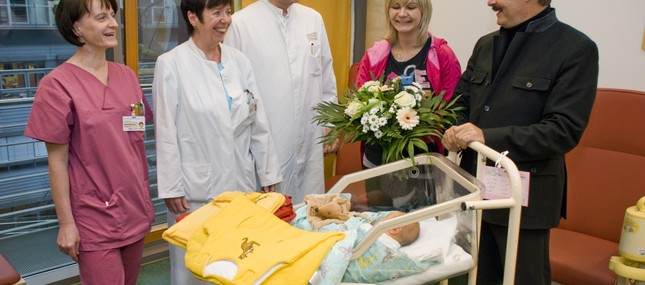 Babys: Klinikum erreicht 2.000er Marke einen Monat früher
