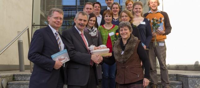 """12. Dezember 2012: Frühchenprojekt für Engagement und """"Herzblut"""" ausgezeichnet"""