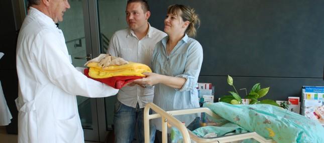 6. Juni 2012: Uniklinikum steuert auf neuen Geburten-Jahresrekord zu: Baby Nr. 1.000 ist bereits zweieinhalb Wochen eher als 2011 da!