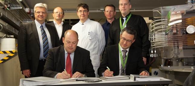 30. April 2014: Uniklinikum übernimmt offiziell Protonentherapieanlage